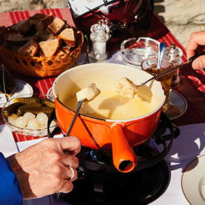 apres ski;alpine cooking;mountain food;adventure travel;raclette;coffee table book;photography;snow