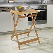 De praktische klaptafel Lugo van Wenko is de ideale hulp voor keuken en woonkamer.
