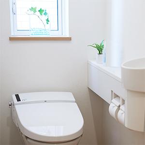 どんなトイレにもなじむすっきりデザイン