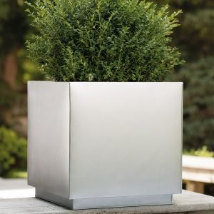 metallic silver stops rust spray paint outdoor planters
