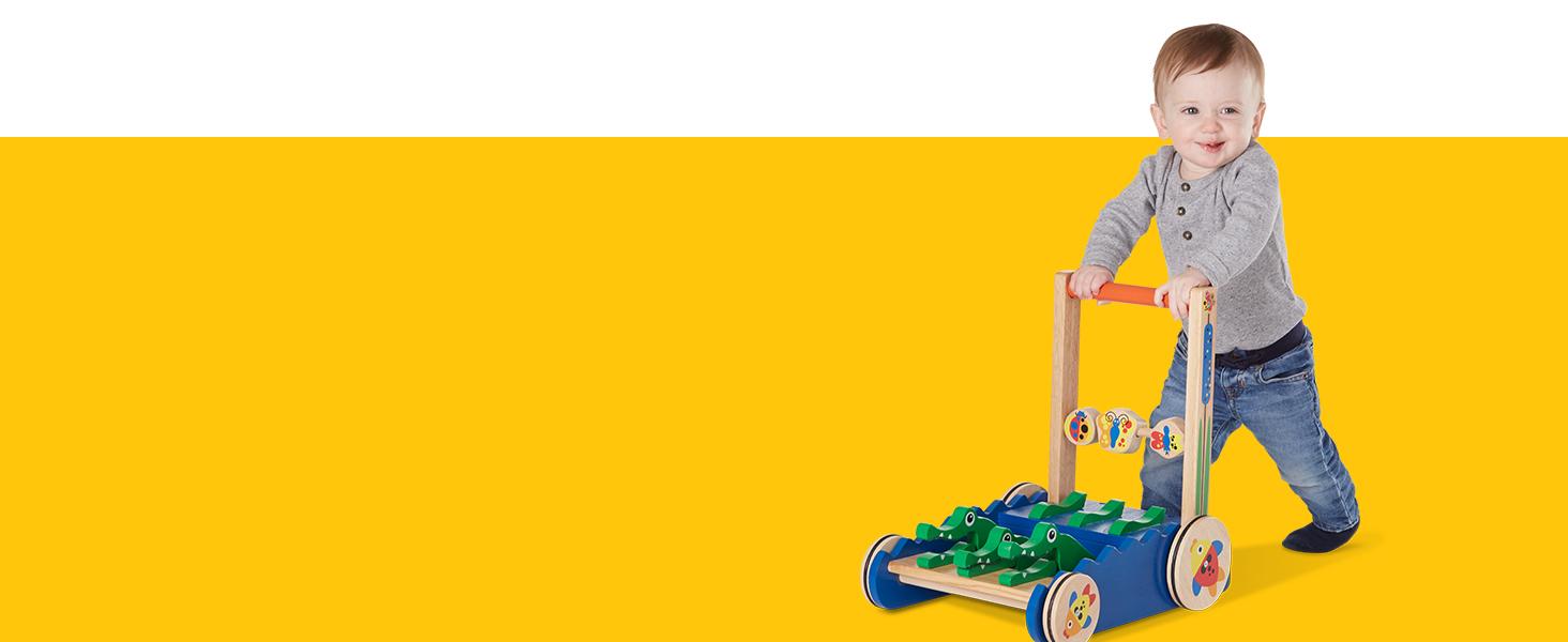 Amazon.com: Juguete para empujar de cocodrilo Melissa & ...
