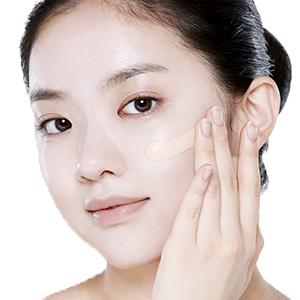 BBクリーム 透明感アップ 厚塗り不要 ムラなくフィット 伸びが良い パール成分 毛穴カバー 肌が明るくなる 長時間キープ 肌に合わせて選べる 乾燥肌 保湿 メイクしながらスキンケア ツヤ肌