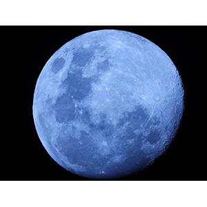 手持ち撮影で美しく「月モード」