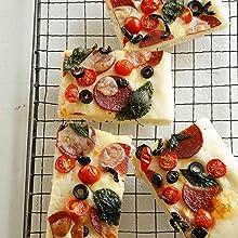 サラミ&バジル&オリーブピザ