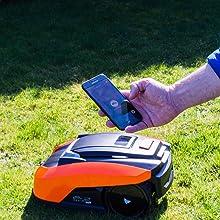 Yard Force LUV600Ri võimaldab WiFi ja Mowapi rakenduse abil juhtida kõikjal