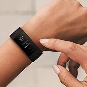 fitbit; fitbit charge 4; fitbit tracker; smartphone; notifications; calls; sms; app notifications