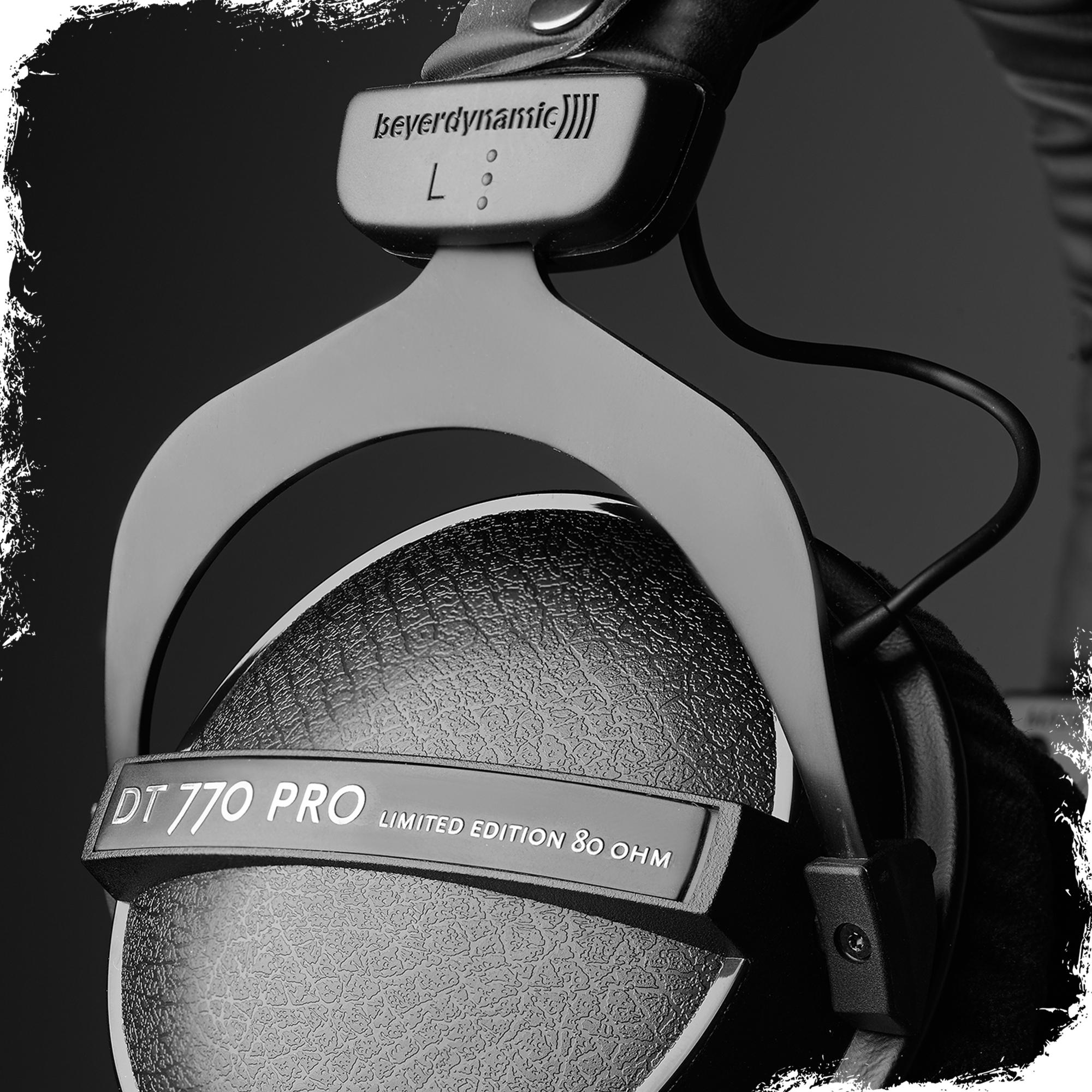 beyerdynamic dt 770 pro 80 ohm black limited edition studio headphones musical. Black Bedroom Furniture Sets. Home Design Ideas