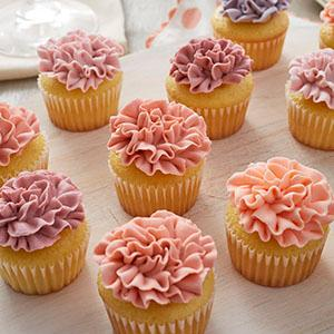 Wilton, Recipe Right 24 Cup Mini Muffin Pan, icing carnations, piping tip 150, naked cupcakes