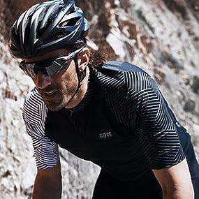 a8302f77b Amazon.com   GORE WEAR C7 Men s Cycling Short Sleeve Jersey   Clothing