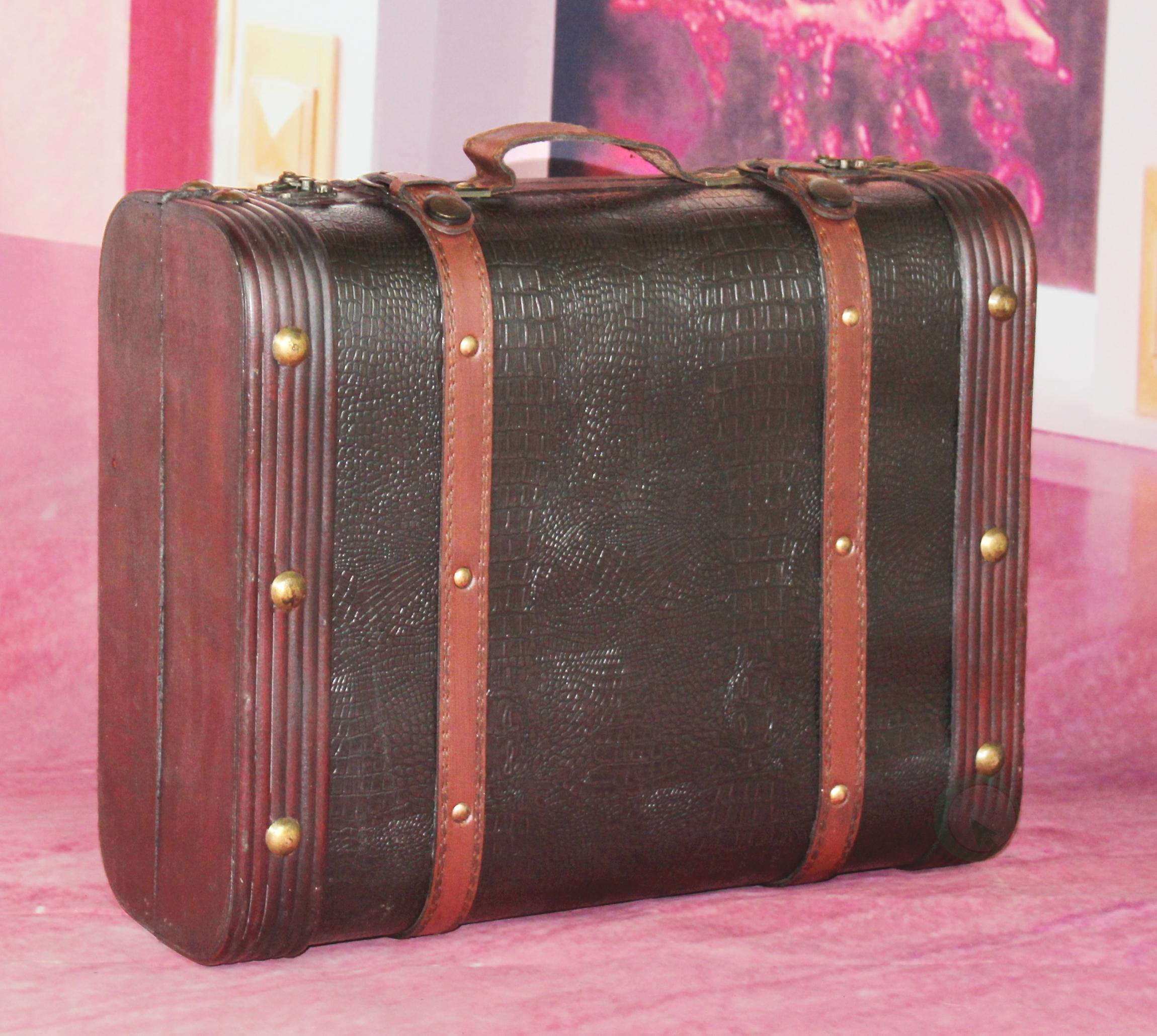 Vintiquewise tm decorative wooden leather - Vintage suitcase ...
