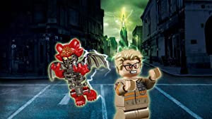 LEGO Ghostbusters Ecto-1 & 2 building kit - Mayhem chases Kevin