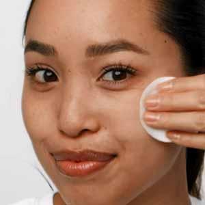 effaclar mat moisturizer; face moisturizer; moisturizer for face