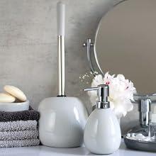Badkameraccessoires serie Polaris wordt gekenmerkt door moderne vormen en hoogwaardig keramiek.