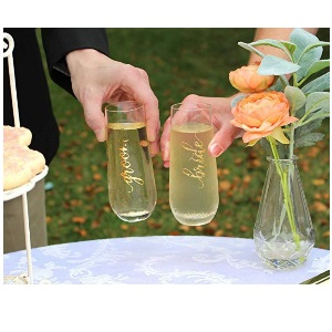 Bride amp; Groom Champagne Glass Set