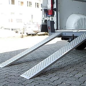 Unitec 10320 Auffahrrampe Alu Auto Pkw Laderampe Anhängerrampe 2 Stück Besonders Rutschsicher Bis Zu 200 Kg Stück Traglast Als Paar 400 Kg Auto