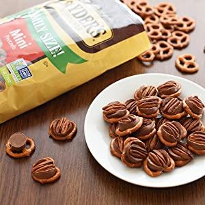 Caramel Chocolate Pretzel Delights
