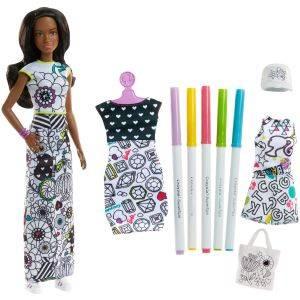Una muñeca Barbie con plantillas y un pelo que cambia de color