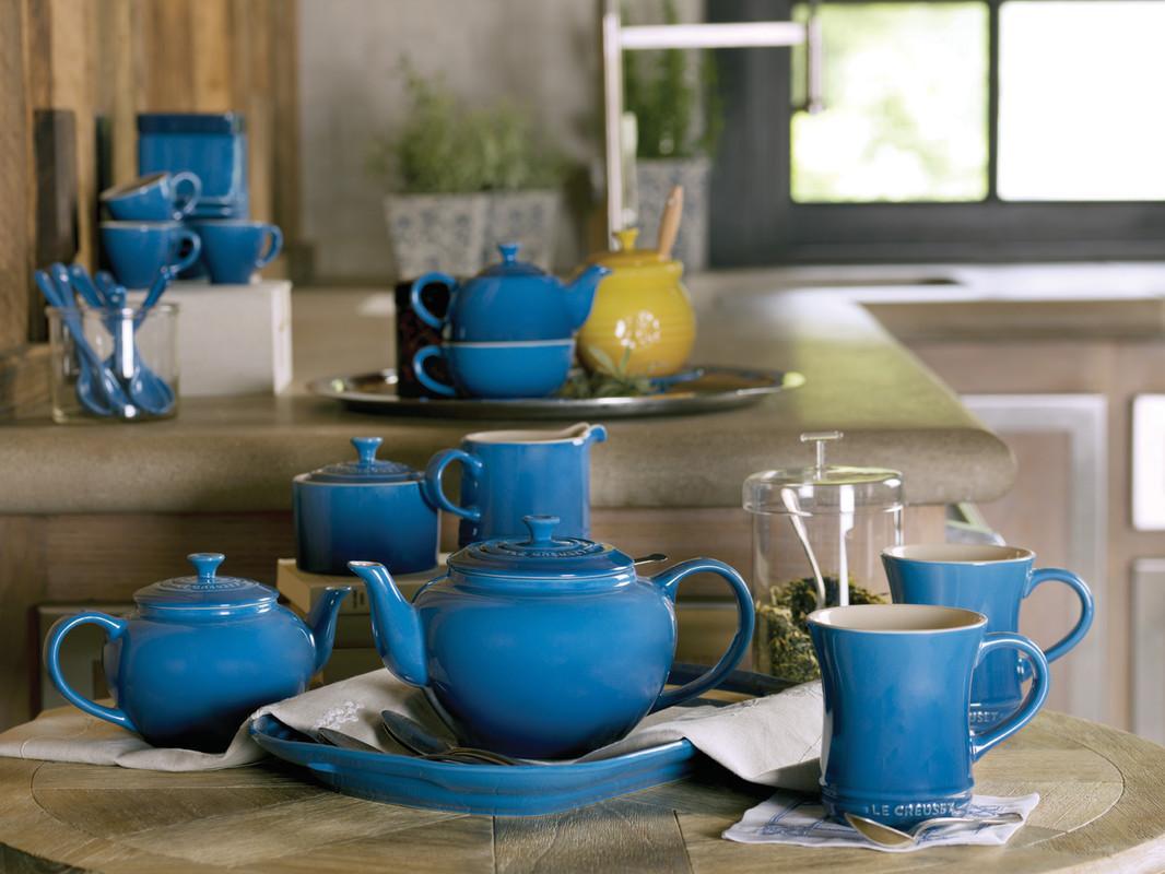 From the manufacturer. Le Creuset ... & Amazon.com | Le Creuset Stoneware 12-Ounce Mug Caribbean: Le ...