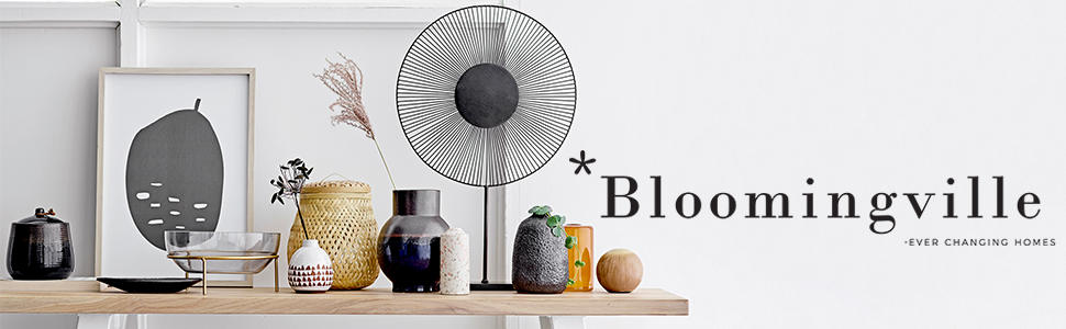 vases, pillows, blanket, decor, accessories