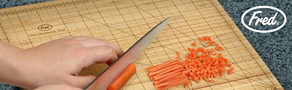 obsessive, chef, cutting, board, carrot, knife, fred, fred and friends, grid, precise, chop, kitchen