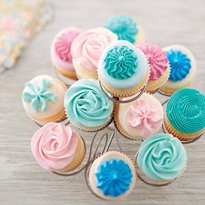 Buttercream frosting cupcakes, buttercream rosettes, buttercream decorating,