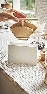 山崎実業 ほこりをガード 蓋付き コーヒーフィルターケース コーヒーペーパーフィルターケース トスカ ホワイト 3802