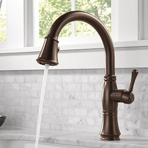 Cassidy Single Handle Pull Down Kitchen Faucet With MagnaTite Docking