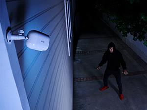 Arlo, essential, spotlight, color night vision, integrated spotlight, security camera, night vision