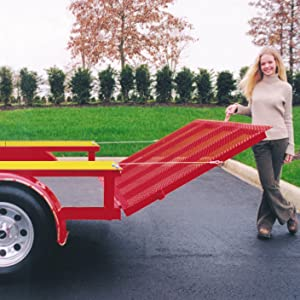 Female lowers and lifts a trailer tailgate with ease with Gorilla-Lift's Tailgate Lift Assistance