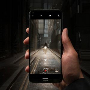 Nokia 8.3 5G Night