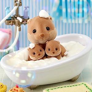 Figures, critters, dolls, dollhouses, woodland, animal, otter, collectible, lil woodzeez, adorable
