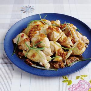 圧力鍋 なべ 蒸し鶏 中華風 おかず レシピ 時短 晩ごはん 簡単 ラクチン 山椒 骨付き肉 鶏肉 もも肉 香味野菜 たれ レシピ 献立 じたん