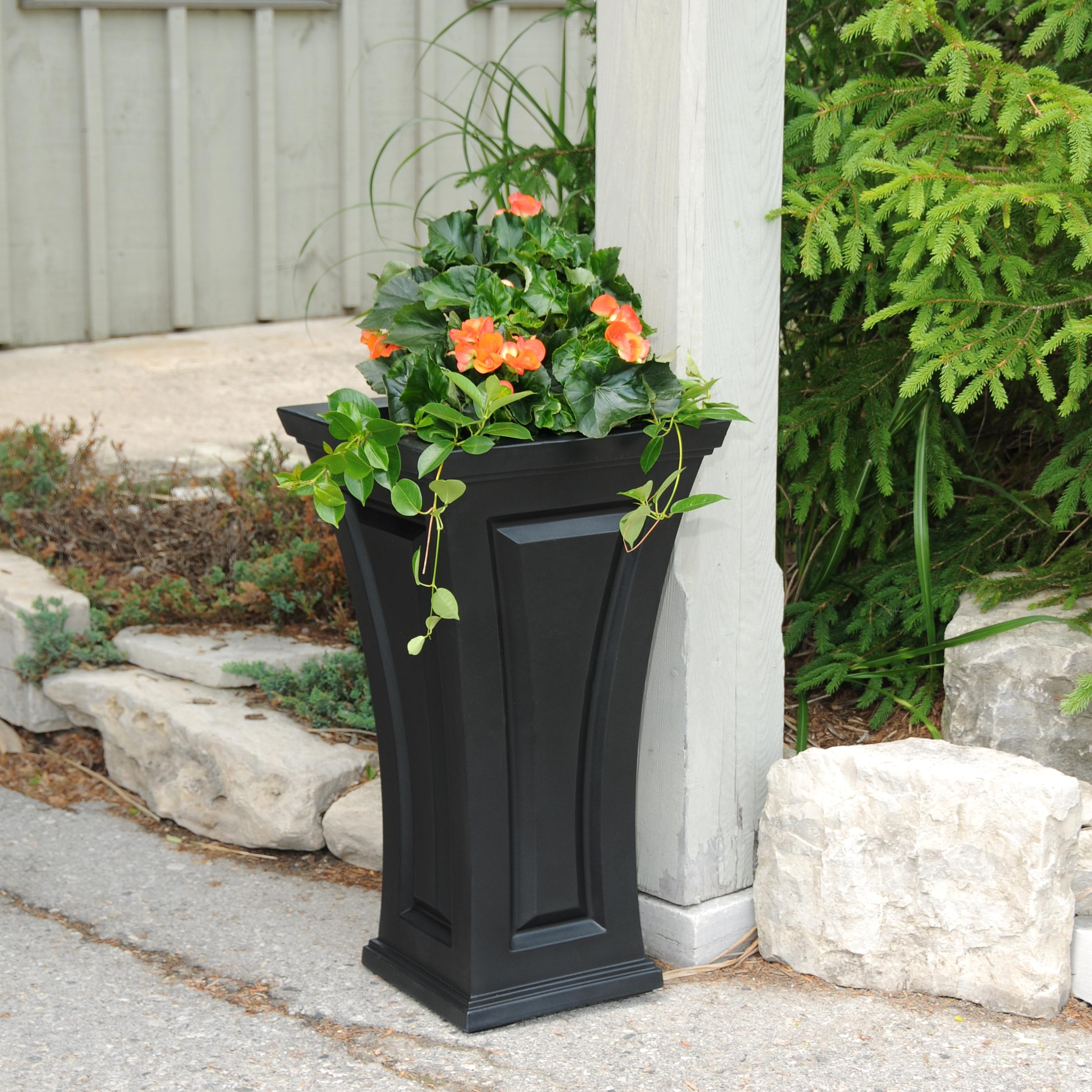 Amazon Com Mayne Inc Cambridge Tall Planter Black