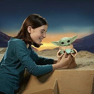 Star Wars Snackin Grogu Animatronic Toy