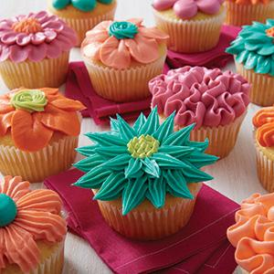 Wilton, icing colors, flower cupcakes, tinted frosting, piping tips, 104, 18, 3