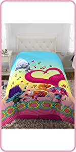 DREAMWORKS TROLLS KIDS BEDDING AND KIDS BATHROOM ACCESSORIES