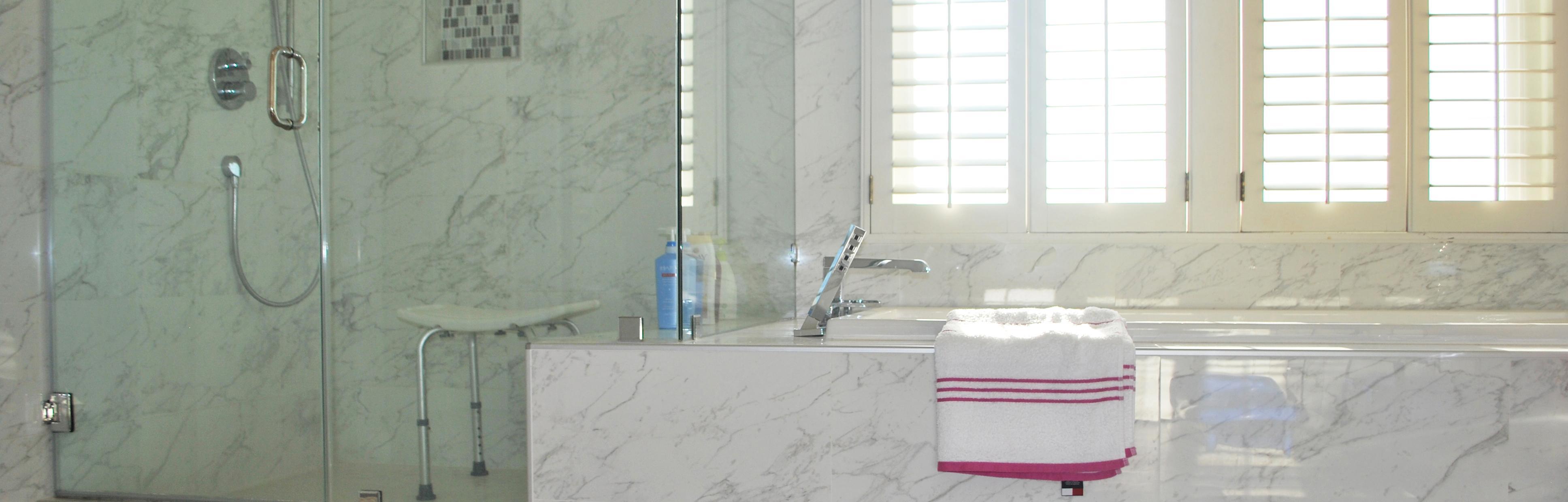 Amazon.com: BalanceFrom Adjustable Height Bath Shower Tub Bench ...