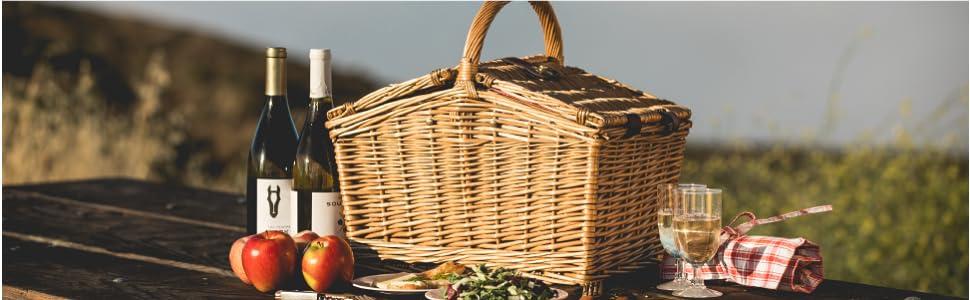 picnic basket, traditional basket, wicker basket, picnic hamper, picnic basket service for two
