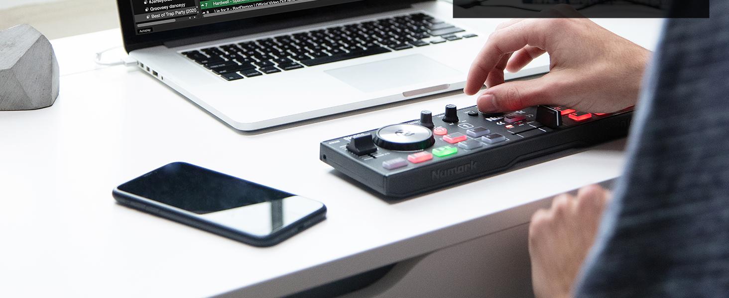 Compact 2 Deck USB DJ Controller For Serato DJ