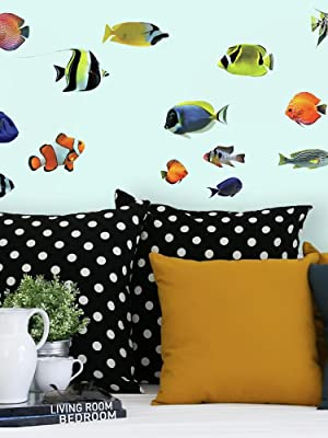 Amazon.com: RoomMates - Adhesivo decorativo para pared ...
