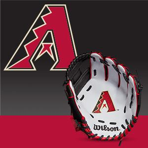All Positions and Perfect for Beginners Wilson A200 Youth MLB 10 Tee Ball Glove in Team Logo Designs