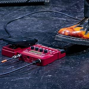 Zoom B1X FOUR Bass Guitar Multi-Effects Processor  7