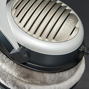 Beyerdyamic; DT 990; DT990; 32 ohm; headphones; over-ear; german; premium; bass; audiophile;