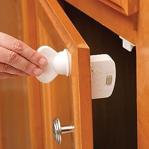 amazon com safety 1st magnetic locking system 1 key and 8 locks rh amazon com