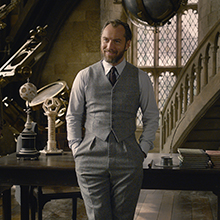 dumbledore, harry potter, fantastic beasts, wizarding world, jude law, hogwarts, magic