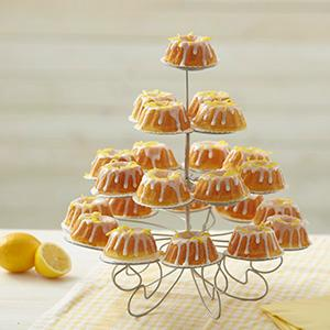 mini bundt cakes, lemon cakes, lemon glaze, mini cake display