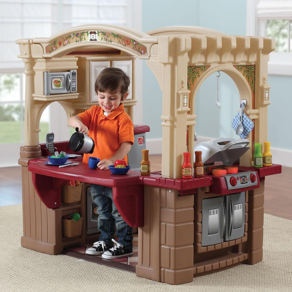 amazon com step2 grand walk in kitchen and grill brown tan maroon rh amazon com play kitchen with bbq grill play food kitchen grill
