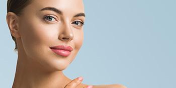Brightening and smoothing serum to enhance skin texture