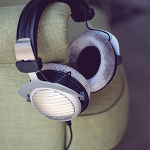 Amazon.com  beyerdynamic DT 990 Premium Edition 250 Ohm Over-Ear ... 43a7303e47