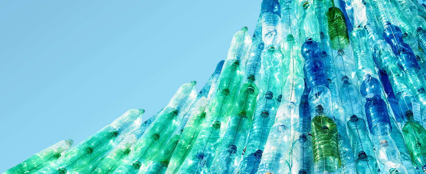 Environment  HP recycles plastics  HP reduces waste worldwide by recycling post-consumer plastics.
